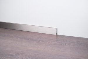 cokół przypodłogowy aluminiowy