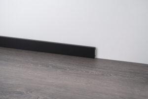 cokół przypodłogowy z aluminium czarny