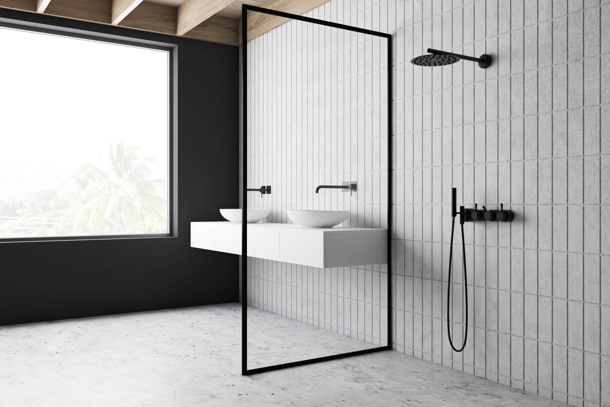 Czarna półka pod prysznic