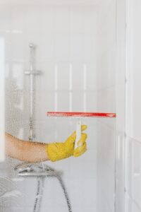 Czym wyczyścić kabinę prysznicową
