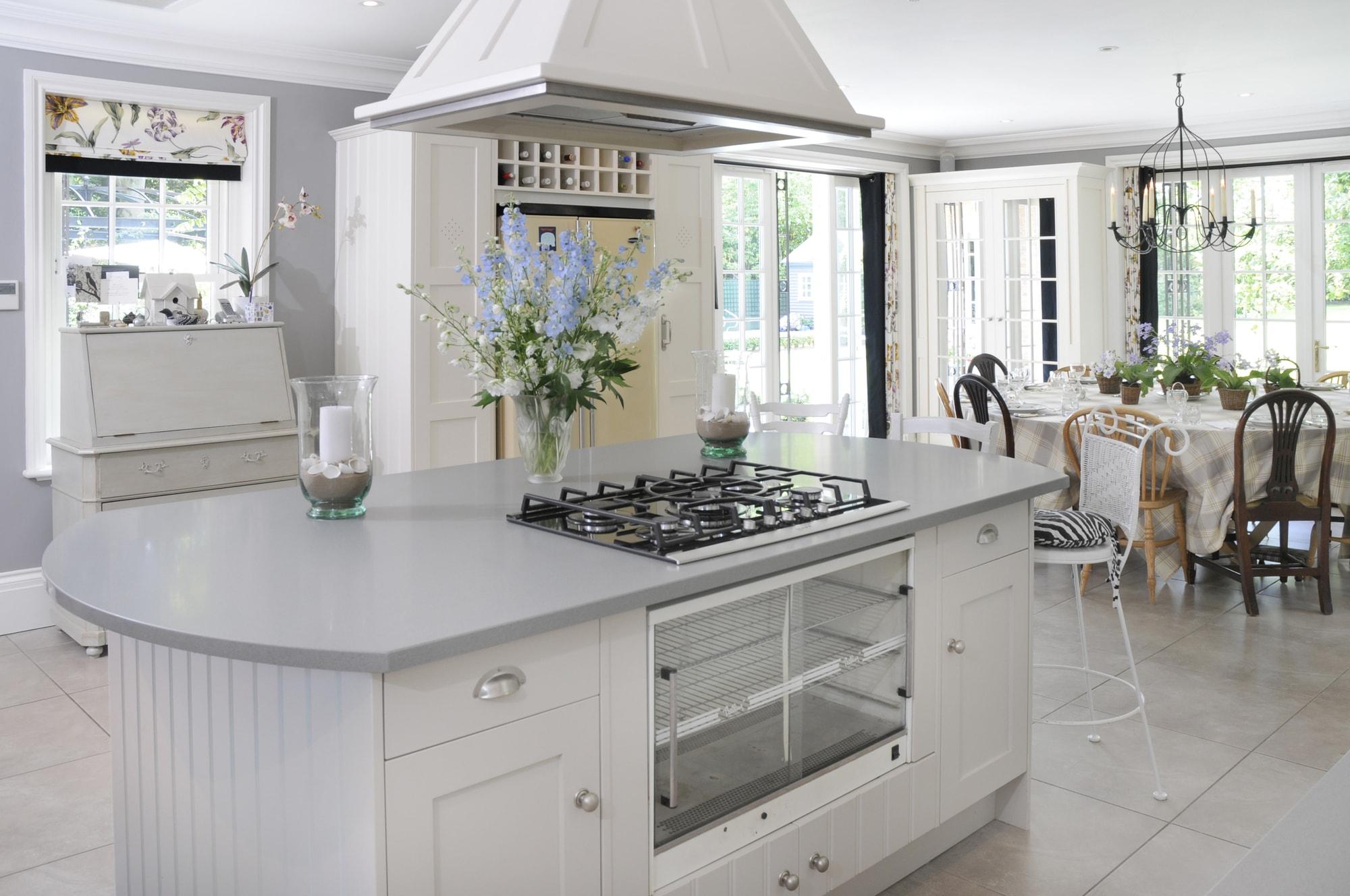 Jakie płytki do kuchni na podłogę - wielkoformatowe