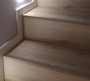 listwy schodowe z beżową nakładką