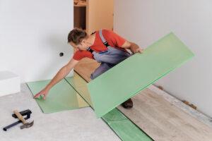Podkład pod panele podłogowe - jak ułożyć