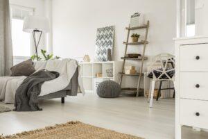 Podłoga w salonie - panele