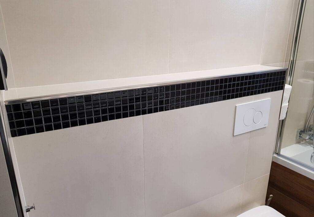 profil narożnikowy w aranżacji w łazience